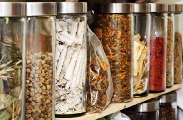 今年3月起新加坡中药店卖凉茶茶叶蛋需申请执照!